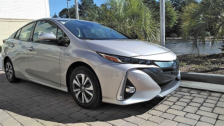 Tech Lifestyle 2017 Toyota Prius Prime Advanced Edition Jenoni